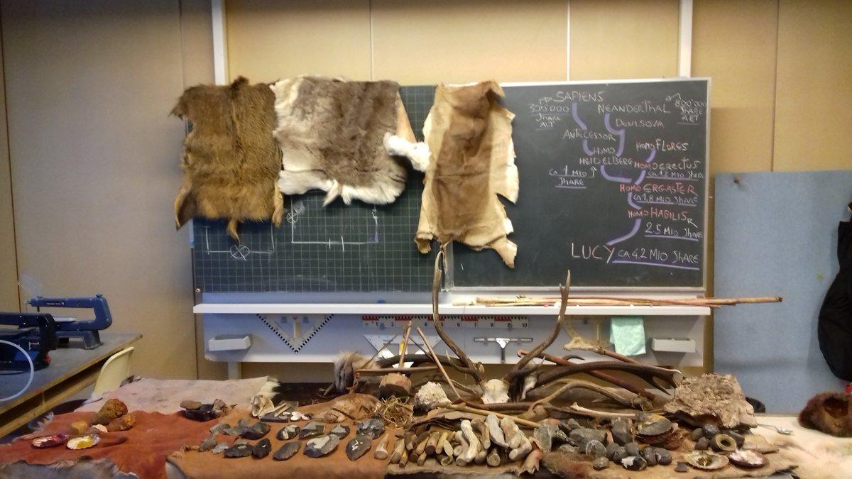 Preparazione del laboratorio in una scuola